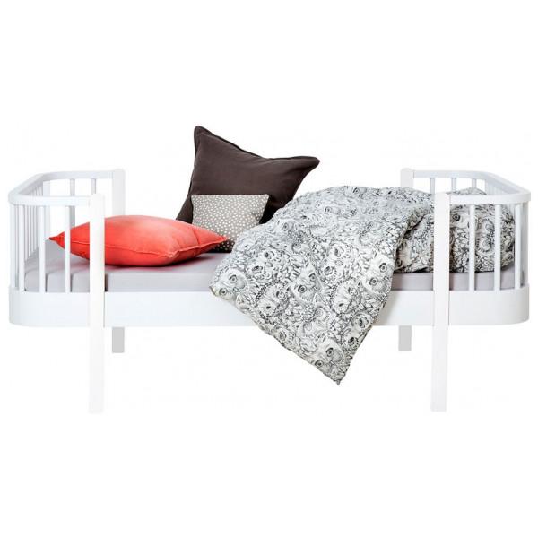 Barnmöbel Juniorsäng Wood Collection Vitlack Oliver Furniture från Inget märke