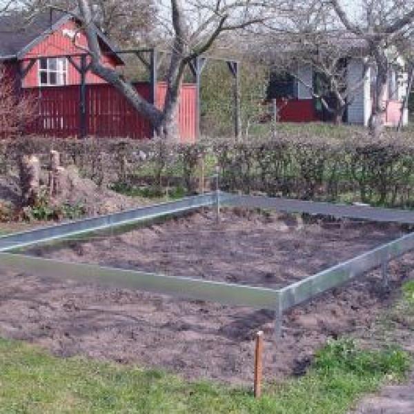 Halls Växthus Fundament Till Växthus Universal Och Magnum 108 83 Kvm från Halls
