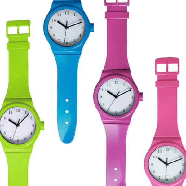 Väggklocka I Form Av Armbandsklocka Färg Purpur från Inget märke