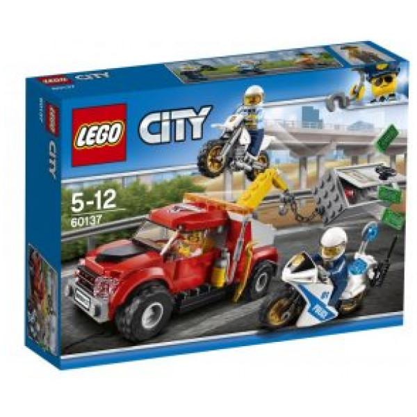 Lego City Police - Trubbel Med Bärgningsbil - 60137 från Lego
