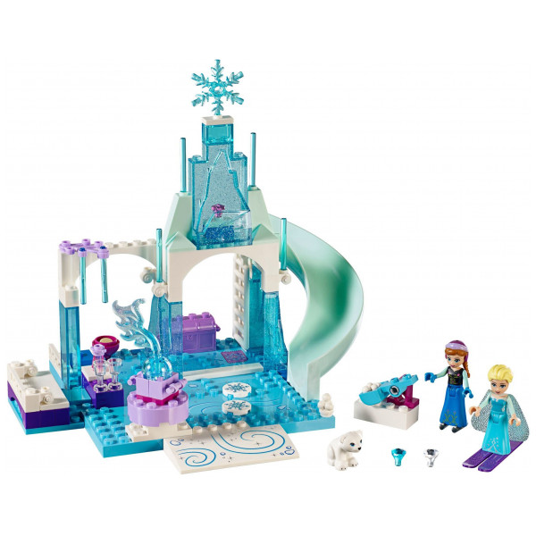 Lego Juniors - Anna And Elsa's Frozen Playground 10736 från Lego